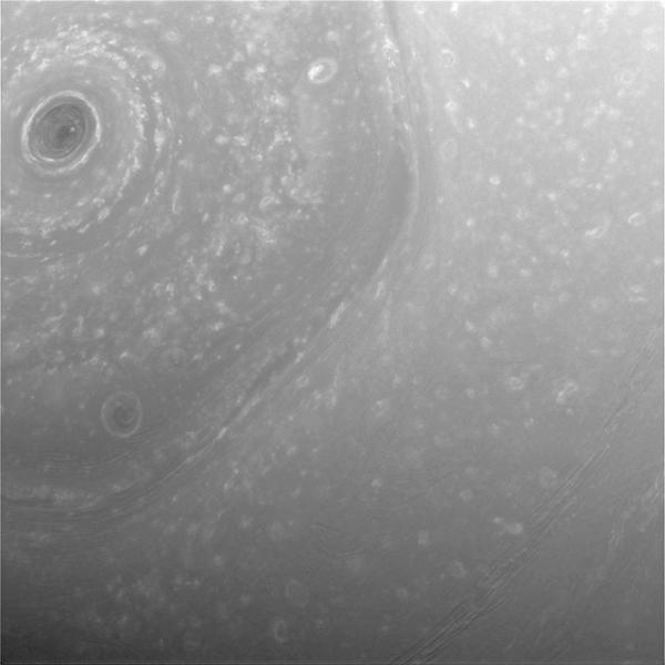 Hemisfério Norte de Saturno, pela Cassini.