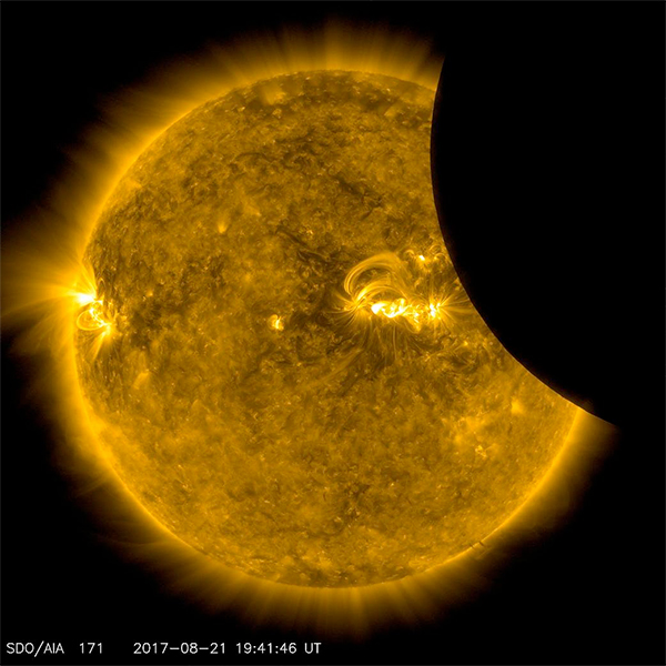 Eclipse Solar 2017 pela SDO.