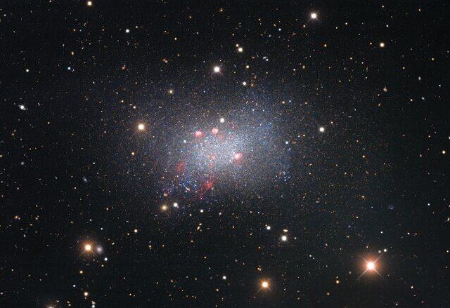 A galáxia Sextans B é um festim para os nossos olhos