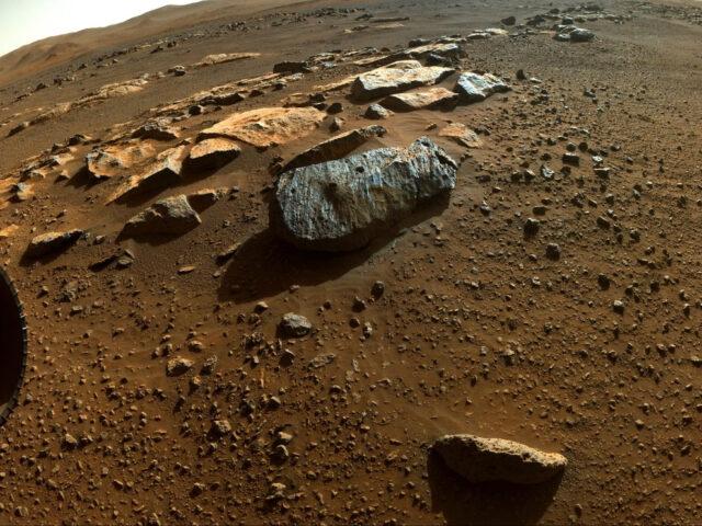Rover Perseverance da NASA recolhe peças do puzzle da história de Marte